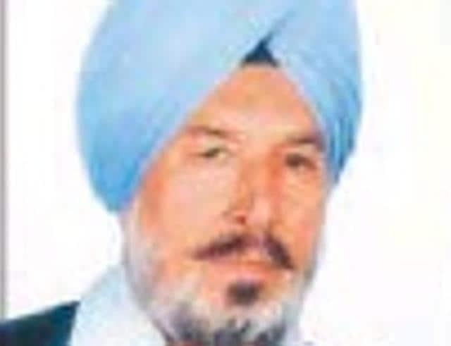 Punjabi writer Baldev Singh Sadaknama also announced to return his Sahitya Akademi Award on  Monday.