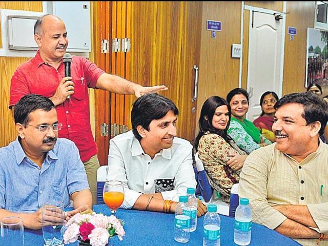 Arvind Kejriwal,AAP MLAs,Asim Khan