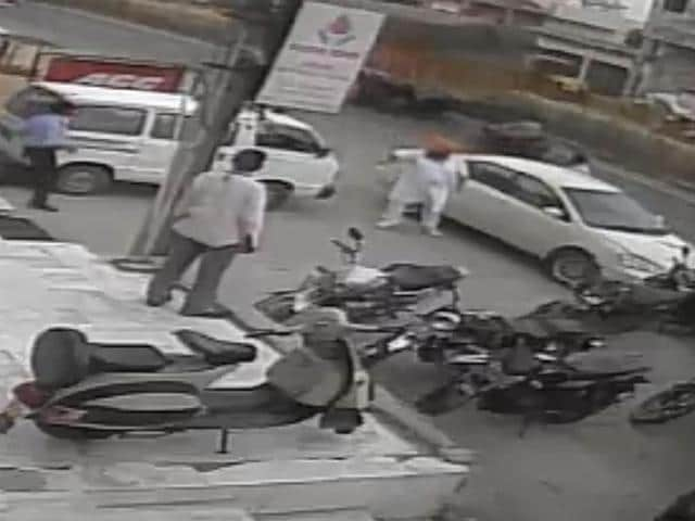 The police have so far failed to trace the car driver even after a closed-circuit television (CCTV) camera had captured images of the vehicle and its occupant.