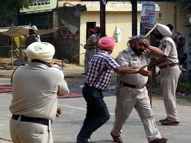 Two killed, over 60 hurt as cops, protesters clash in Kotkapura