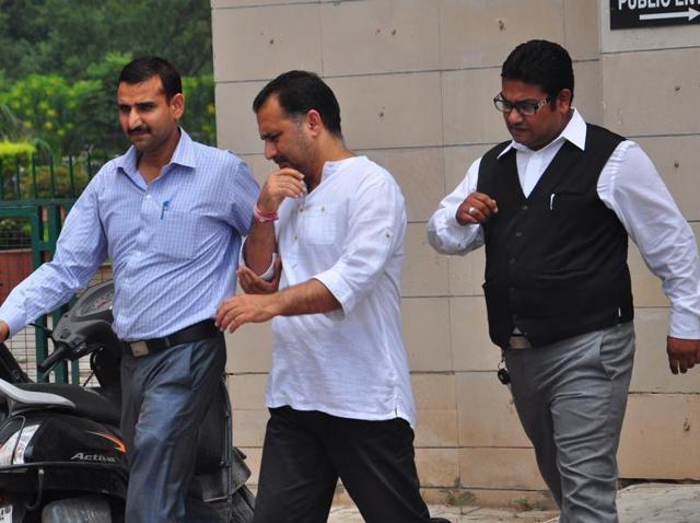 CBI,bribery scandal,Chandigarh