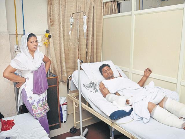 The victim, Ravindra Singh, fractured his hand and suffered other injuries in the attack.