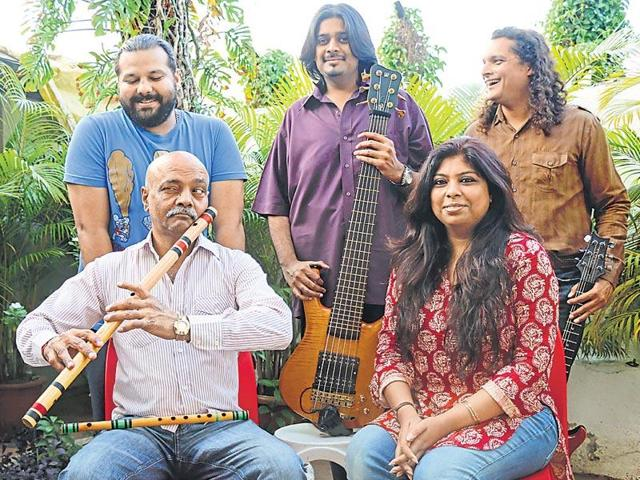 The live concert of 'Mekaal Hasan Band' was to be held at the premises of C N Vidyalay in Ambawadi area.