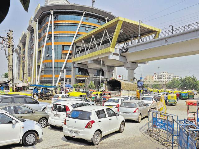 The service will be started at the Huda City Centre metro station on a trial basis.