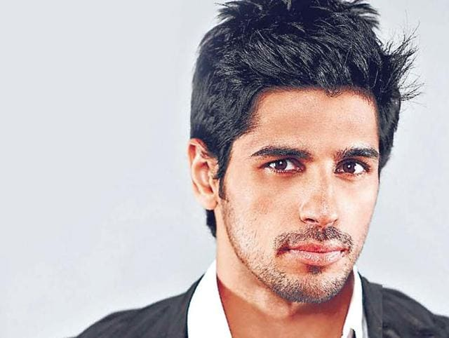 Sidharth Malhotra finds it challenging to make friends in the industry.