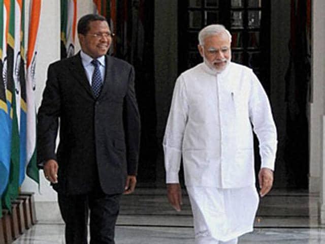 Prime Minister Narendra Modi and Tanzania President Jakaya Kikwete at Hyderabad House in New Delhi.