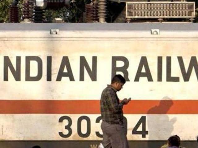Rail traffic,Delhi,Amritsar Shatabdi