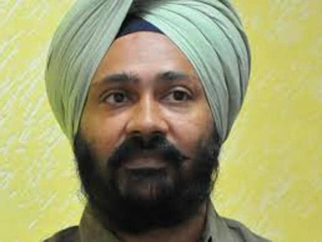 Punjab finance minister Parminder Singh Dhindsa has blamed the slow economic growth in the country for the state's inability to reach its target of economic growth.