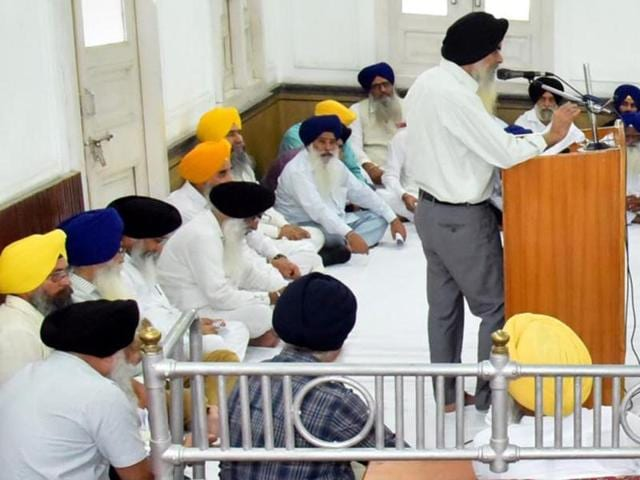 SGPC chief secretary Harcharan Singh addressing a meeting  in Amritsar on Wednesday.