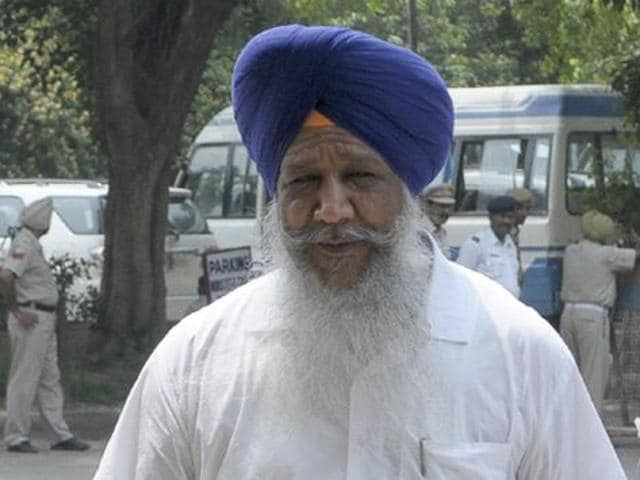 Animal husbandry, fisheries and dairy development minister Gulzar Singh Ranike on Friday announced the schedule for the district-level livestock and milching championship-2015. He said that after getting the nod from chief minister Parkash Singh Badal, Rs 4.3 crore had been released by the government.
