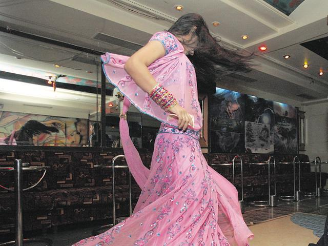 The Supreme Court  has lifted the ban on dance bars in Maharashtra on Thursday.