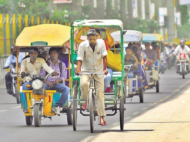 The CM handed over 50 battery-operated e-rickshaws to cycle rickshaw pullers in Karnal on Saturday. This project has cost the Haryana government Rs 54 lakh.