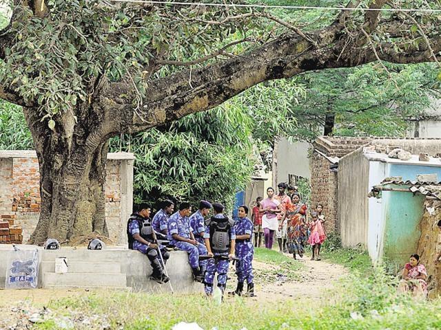 lathi-charge in Jabalpur