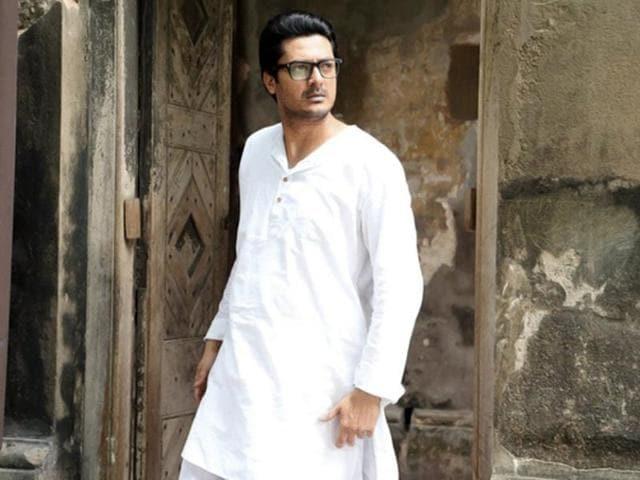 Anjan Dutt's film Byomkesh Bakshi stars Jisshu Sengupta.
