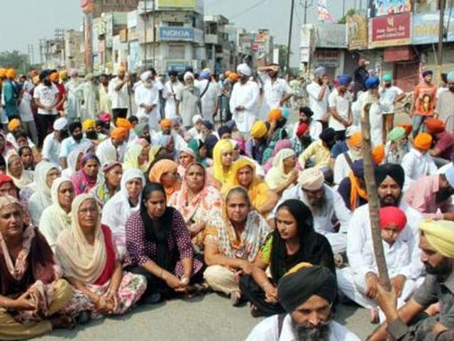 Activists of various outfits blocked roads and highways at several places across the state that witnessed shutdowns and protest marches.