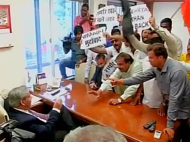 """Shiv Sena workers storm the BCCI office in Mumbai and """"gherao"""" BCCI Chief Shashank Manohar's desk."""