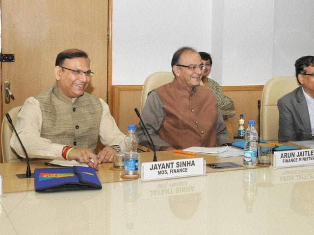 Union minister for finance, corporate affairs and information & broadcasting, Arun Jaitley chairing the meeting on budget 2016-17 with economists, at NITI Aayog, in New Delhi on Monday.