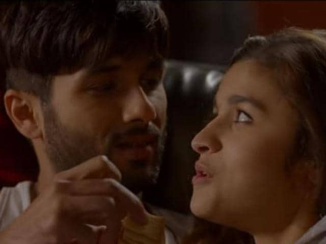 Shahid Kapoor and Alia Bhatt in a still from Shaandaar's song Eena Meena Deeka.