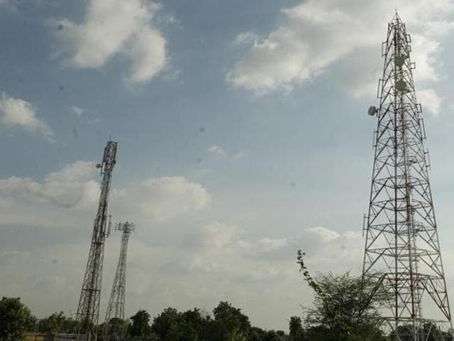 high court,cellular firms,illegal towers