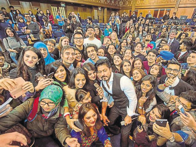 It's okay to be confused! Confusion is the way to clarity, said Shah Rukh Khan to students at the University of Edinburgh.