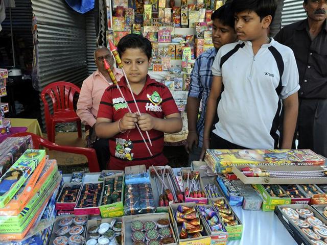 Noida,Uttar Pradesh,crackers