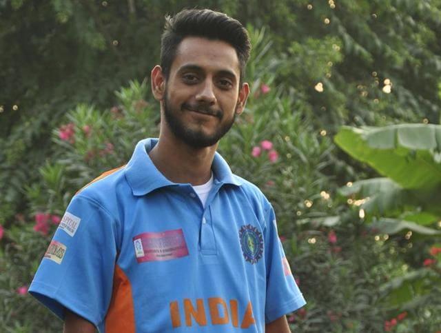 Disabled cricketer,Physically-challenged cricket player,Taranpreet Singh Randhawa