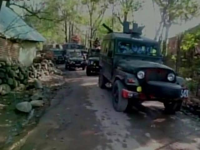 One militant was killed on Wednesday in an encounter between armed forces and militants in Kunzer area, Baramulla district of Kashmir.