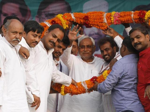 Bihar chief minister Nitish Kumar plans to shift the election debate in poll-bound Bihar away from the controversial topic of beef, and instead focus on pulses and rice.