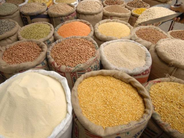 As prices of dal and pulses rise, hoteliers in Mumbai say they will hike rates on the menu.
