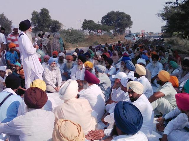 Protesters led by Sikh hardliners, who are rejecting the police theory, resorted to protests on Bathinda roads