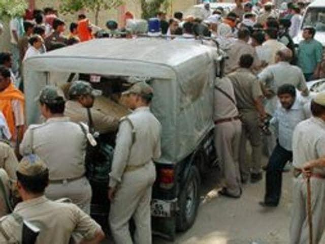 Girls kills son of 'rapist',13-year-old kills 5-year-old,Aligarh