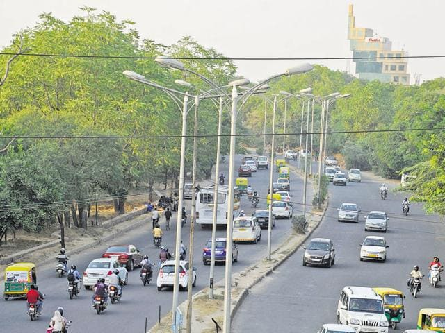 Both sides of the road from MDI Chowk to Atul Kataria Chowk will be developed as a green belt.