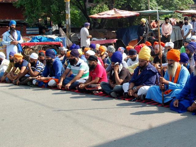 clash,Sikh protesters,Akali leaders