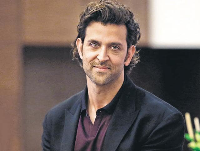 Hrithik Roshan moved into his new Juhu bachelor's pad after his divorce.