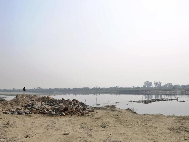 In the last 15 years that saw Noida develop into a realty hub, this is the first time that a private individual has tried to build two bridges with cemented pipes, sand bags and excavator.
