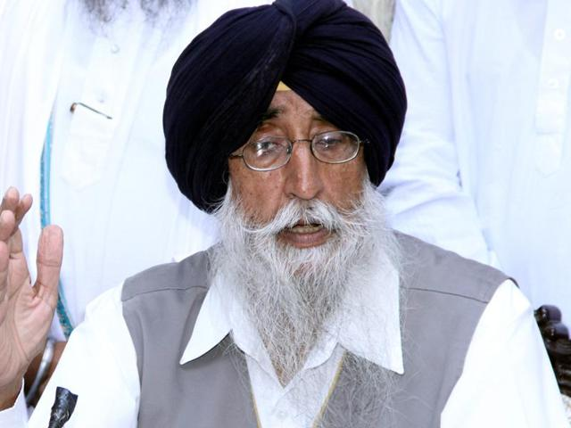 SAD (Amritsar) Simranjit Singh Mann(right)  said a meeting of representatives of different Sikh organisations has been convened at Jalandhar on October 31 to chalk out the strategy for the 'Sarbat Khalsa.'