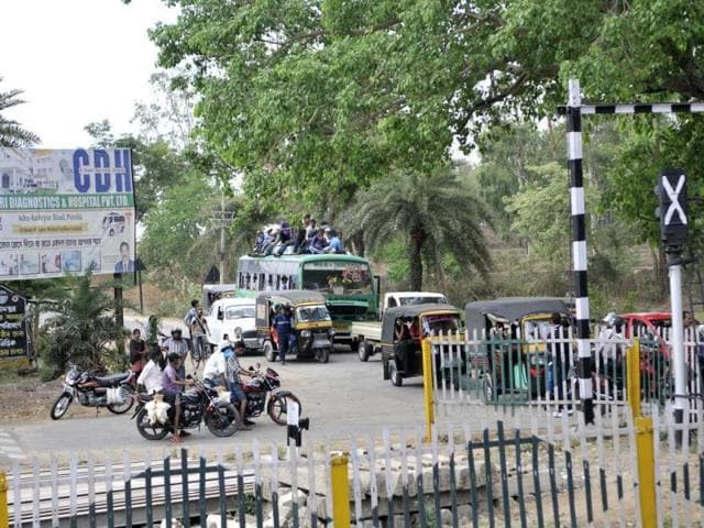 There are around 11,000 unmanned railway crossings in the country which account for around 40% of accidents involving the railways.