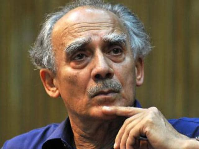 Arun Shourie said  people have started recalling the days of former Prime Minister Manmohan Singh.