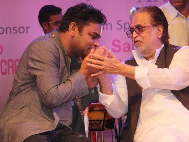 AR Rahman and Hridaynath Mangeshkar greet each other during the ceremony.