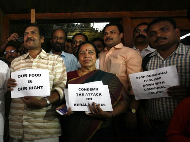Kerala MPs protest Delhi Police action over 'beef' at Kerala House.