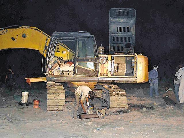 Greater Noida,sand mafia,harassment