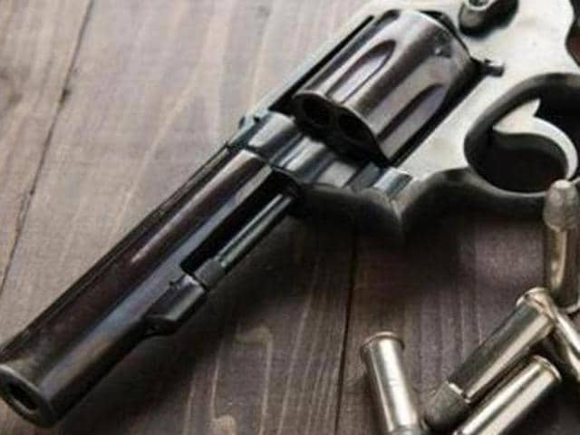 The CCTV footage revealed that the youth fired with a country-made .32-bore pistol and took away the cash.