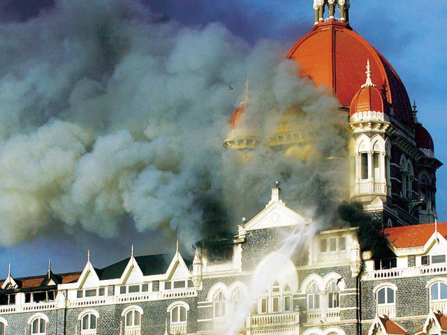 Smoke comes out from Mumbai's Taj hotel during the 26/11 attacks.