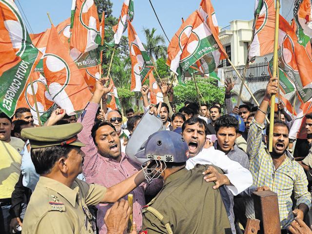 General (retd) VK Singh,Naseeb Pathan,rioting