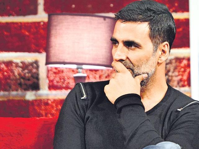 Akshay Kumar wants comedians to get their due respect.