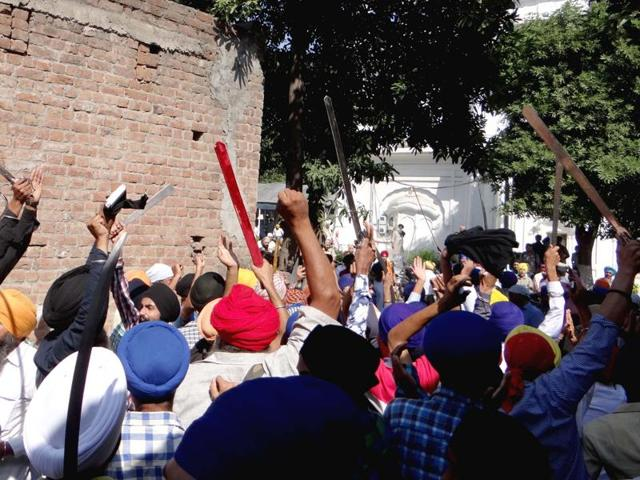 Congress,Kapurthala,FIR against Sikh protesters