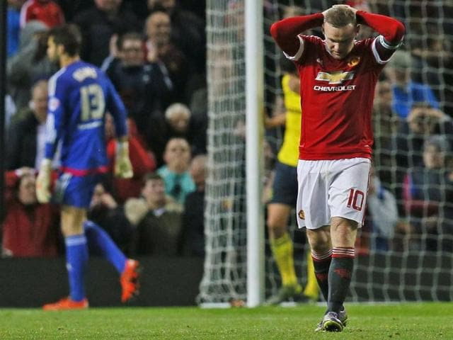 League Cup,Manchester United vs Middlesbrough,Wayne Rooney misses penalty