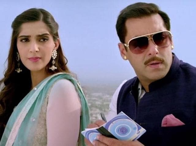 Sonam Kapoor and Salman Khan in a still from Jab Tum Chaho,  Prem Ratan Dhan Payo's latest song.