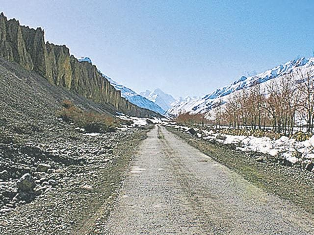 The trade between India and China through the Shipki La has been affected as 3 to 4 inches snow has settled on the road from Namgya to Shipki village.