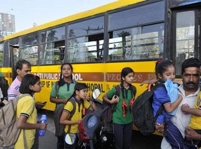 The court clarified that it was not mandatory to have pan-tilt-zoom cameras (PTZ) on school buses. Ordinary cameras would also do, it said, adding that it was mandatory to bring the buses under surveillance.